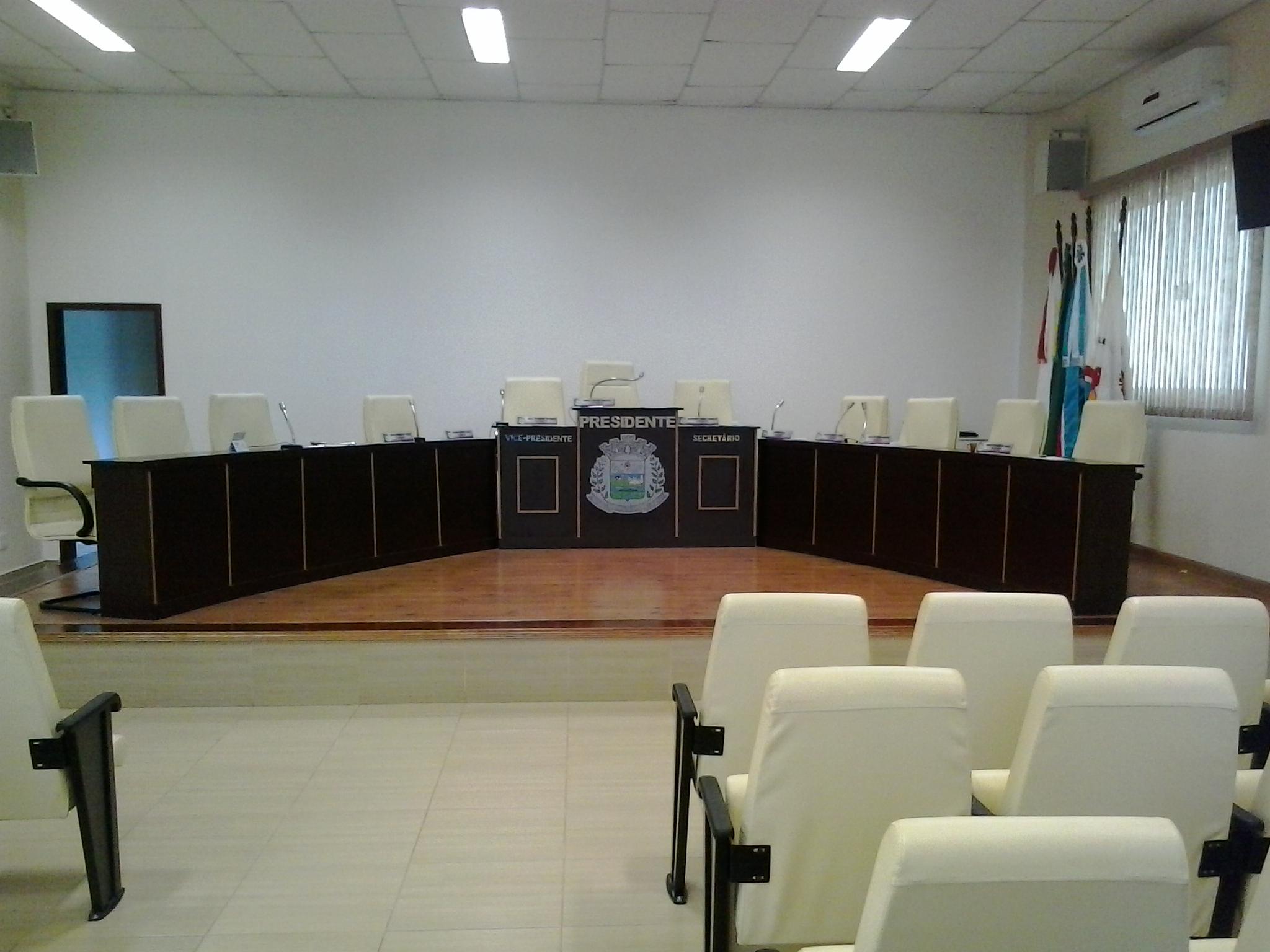 Mesa diretora.